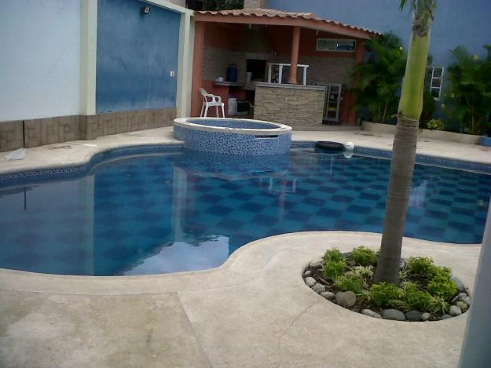 Fabricantes de piscinas manta la casa de las piscinas for Fabricantes piscinas