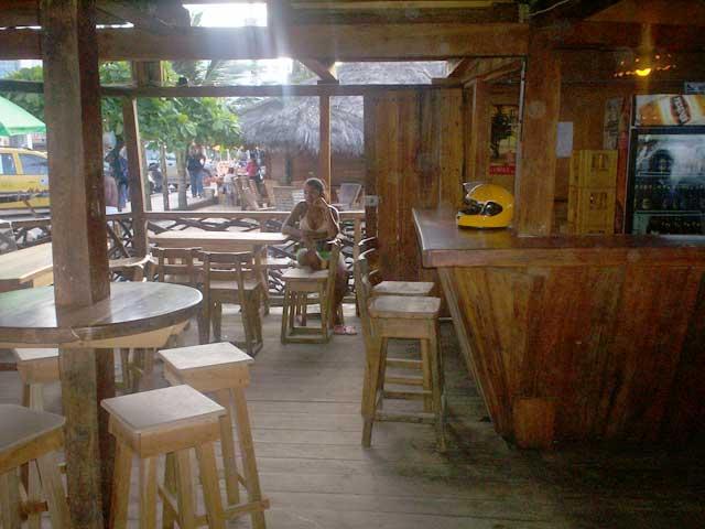 Bar madera fina atacames bar bares madera fina for Bar madera sevilla